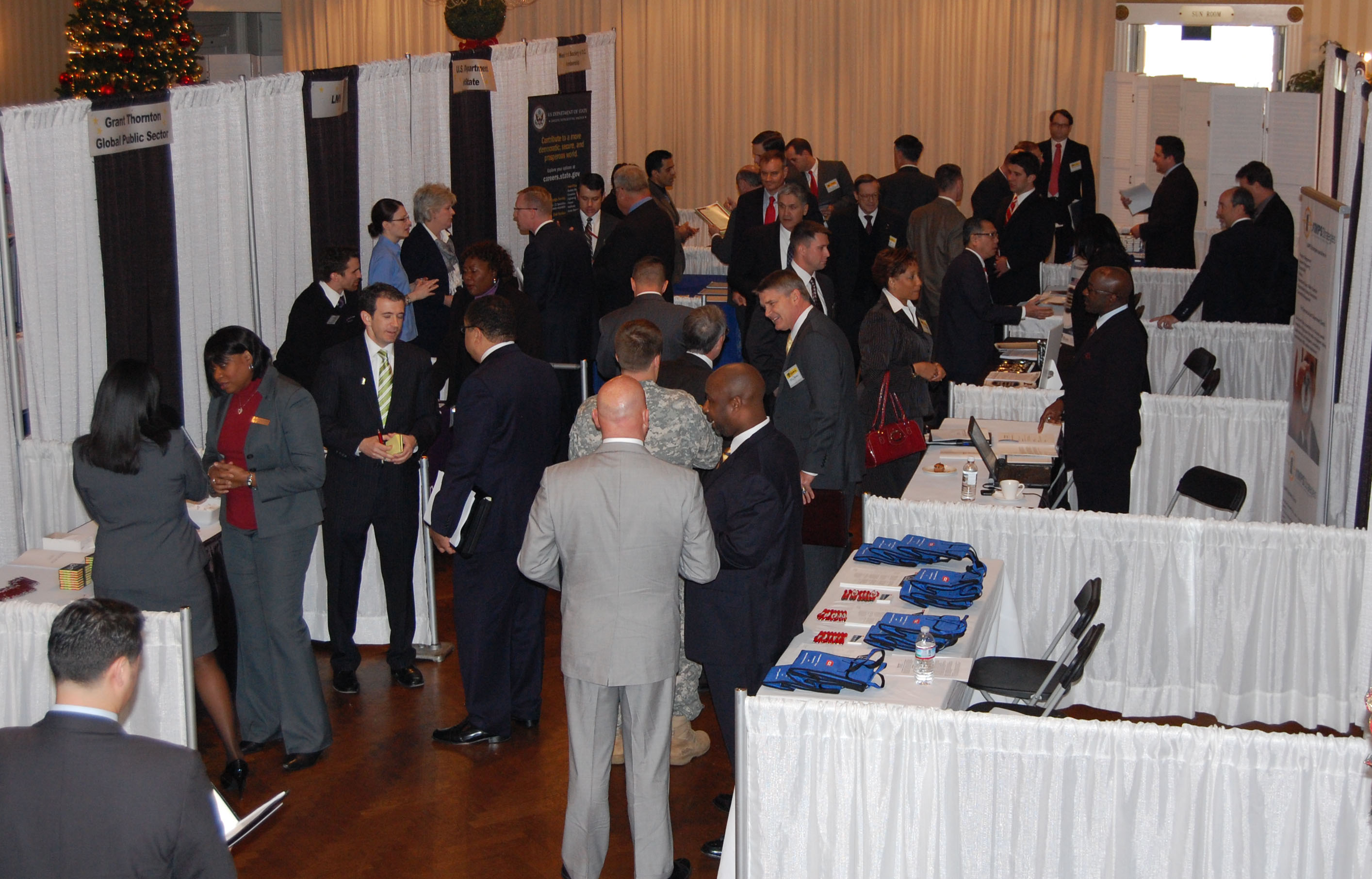 Military_to_civilian_job_fair